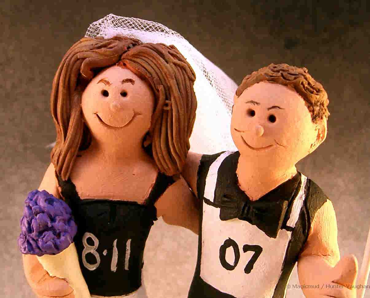 Close up of Runner's Wedding Cake Topper